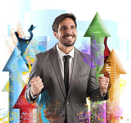 Šťastné podnikatel se raduje jeho finanční úspěch