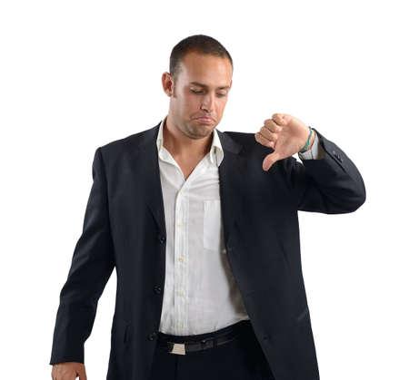 desconfianza: Hombre de negocios con expresión negativa y triste estado de ánimo