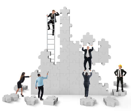 travail d équipe: Travail d'équipe collabore et coopère pour la construction Banque d'images