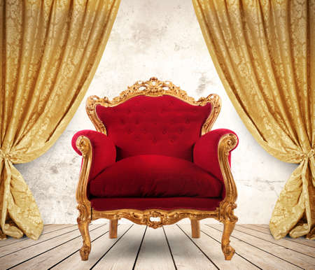 cadeira: Quarto com cortinas douradas e poltrona real