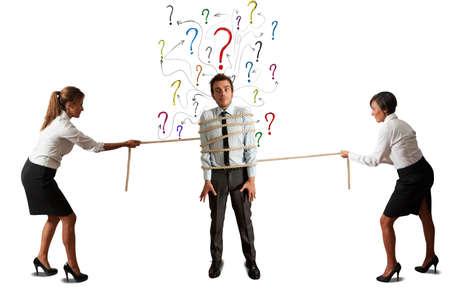 interrogativa: Mujeres de negocios que luchan por la atenci�n jefe