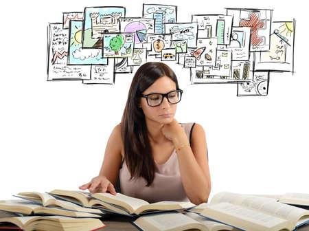 cognicion: Muchacha que estudia todas las materias acad�micas para el examen