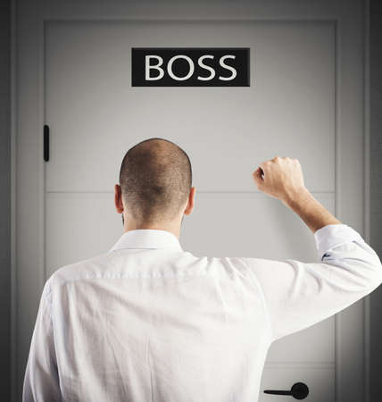 knock: Employee knocks on the door of boss