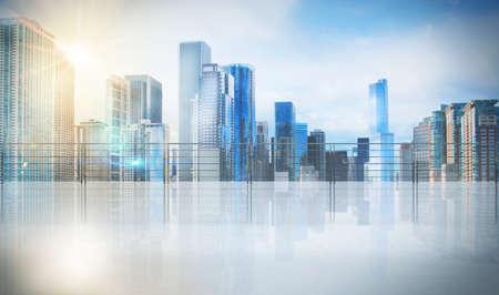 estilo urbano: Oficina en un rascacielos con vista urbana