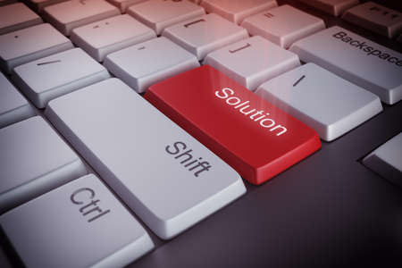 interrogative: Teclado de ordenador con una clave rojo soluci�n Foto de archivo