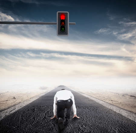 rote ampel: Rotes Licht vor einem Mann Lizenzfreie Bilder