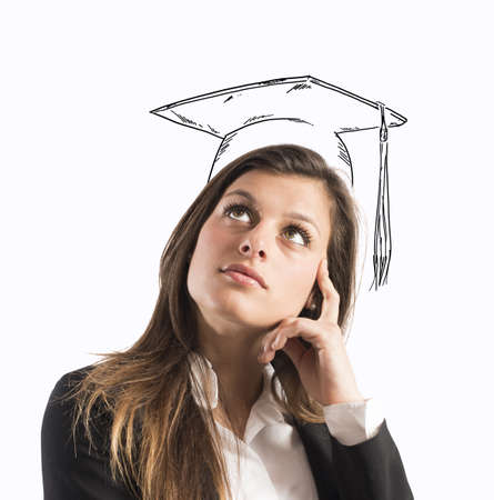cognicion: Mujer con sombrero de grado dibuja en la cabeza Foto de archivo