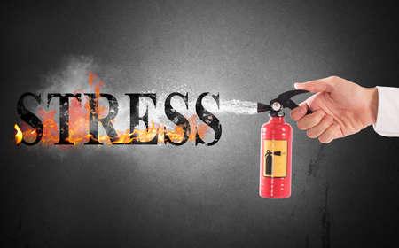 Löscher mit Wasser das Wort Stress