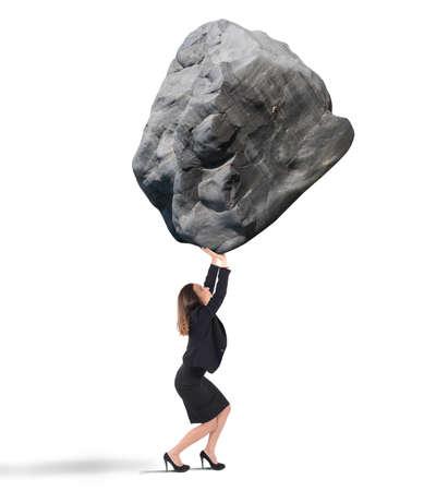 큰 바위 무거운 들고 사업가