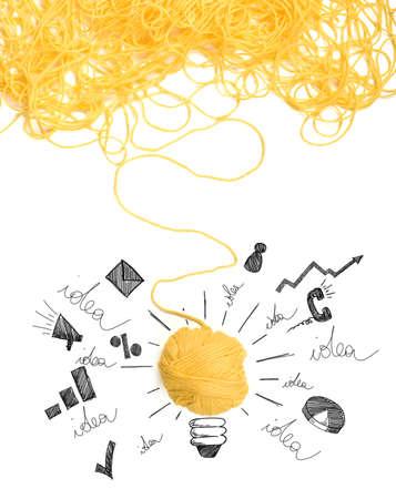 innovación: Concepto de la idea y la innovación con la maraña de hilo de lana