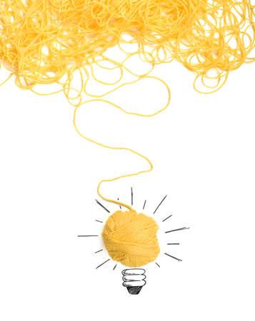 ウール糸のもつれと考えおよび革新の概念 写真素材 - 64803514