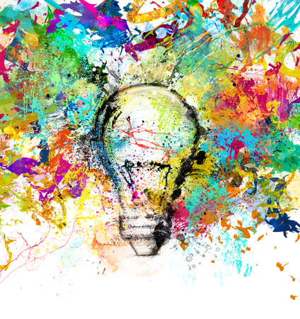 Konzept einer neuen kreativen Idee mit gezeichnet und koloriert Glühbirne mit hellen Farben Standard-Bild - 64803672