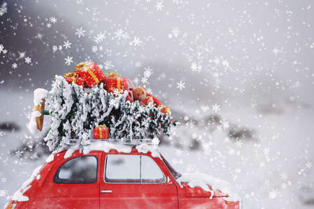 3D Rendering car with Christmas tree and gifts on the roof Stock Photo - 66758693