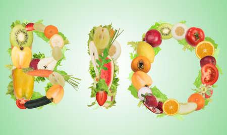 Obst und Gemüse, die das Wort Bio. Gesunde Bio-Lebensmittel für Wellness-Konzept