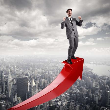 사업가 경제적 성공을 위해 exults 스톡 콘텐츠