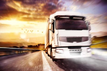 camion de transport rapide. Techniques mixtes Banque d'images