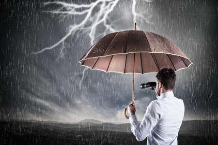 비즈니스 폭풍. 위기의 개념 스톡 콘텐츠 - 72450322