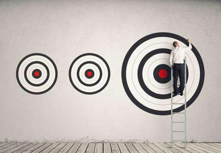 Schlagen größeres Geschäft Ziel