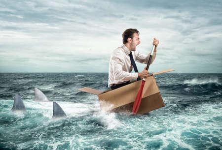 bateau: Échapper à la crise Banque d'images