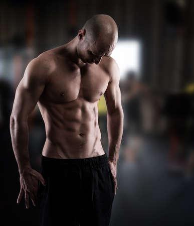 nackter junge: Physique eines Mannes mit Muskeln Lizenzfreie Bilder