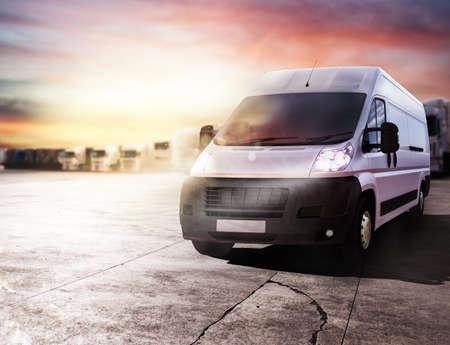 Transportwagen klaar om snel pakketten te leveren. 3D-weergave