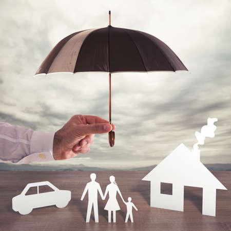 家族を守る 写真素材