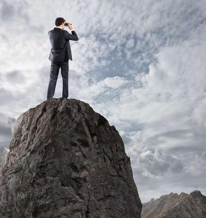 新しい地平線の実業家 searchs 新たなビジネス チャンス