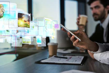 Internet streaming van mobiele telefoon concept