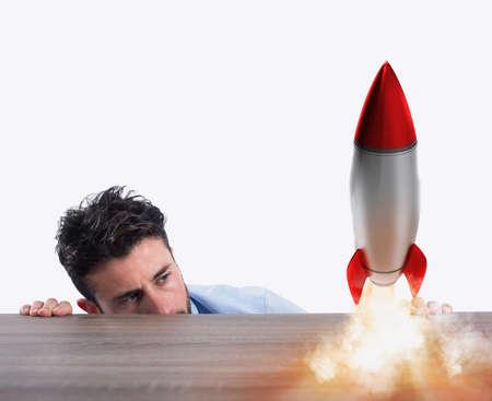 ロケットの起動に伴う新会社のスタートアップ。新規事業のコンセプト
