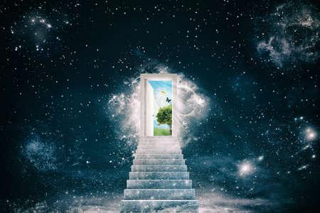 ドアの後ろに新しい緑の世界 写真素材