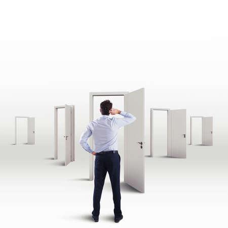 Oriënteer bij het kiezen van een werkcarrière tussen vele keuzes