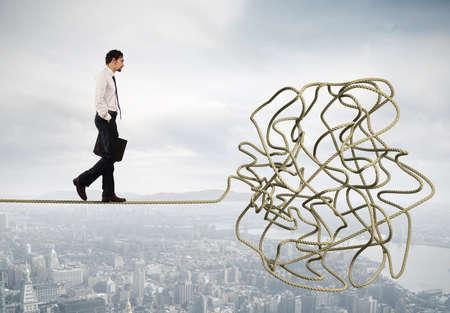 Concepto de problema y dificultad con cuerda enredada