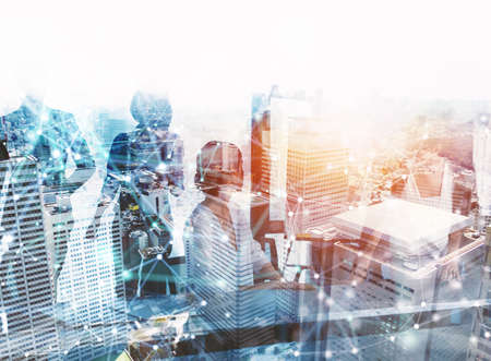 Business people collaborate together in office. Internet connection effects. Double exposure effects. Banque d'images