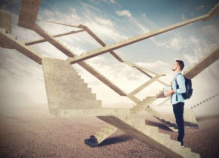 Des escaliers sans fin du futur