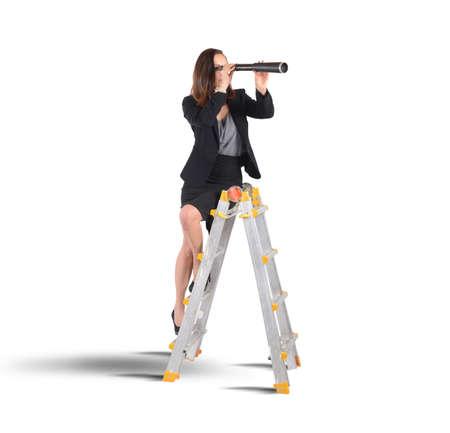 Geschäftsfrau auf der Suche nach neuen Zielen Standard-Bild