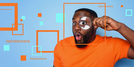 Man search for digital information with a magnifier lens. Concept of internet security and privacy Standard-Bild
