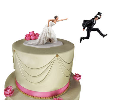 Man on the cake top escapes from marriage