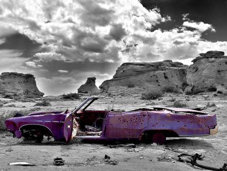 abandoned car: coche abandonado  Foto de archivo