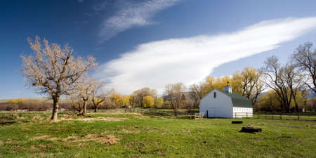 farm house: farm house on a spring day in rural Wyoming, 2:1 aspect ratio Stock Photo