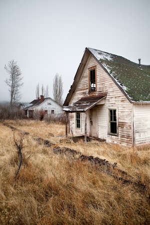 broken house: two abandoned houses in rural Oregon US Stock Photo