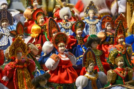 kokoshnik: Dolls made of fabric - samples of ancient Russian clothes for women.