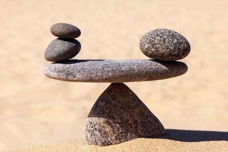 Symbolic scale of the stones. Concept of harmony and balance. work-life, emotional balance Stockfoto