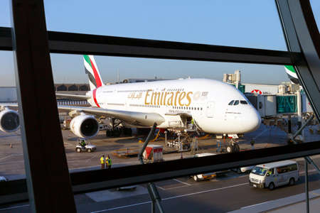 Dubai, UAE - November 24, 2019:Emirates Airbus A380 prepares to Board passengers at Dubai International airport Publikacyjne