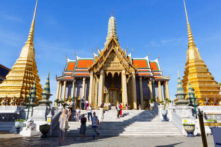 Thailand, Bangkok-December 2, 2019: Wat Phra Kaew, Temple of the Emerald Buddha Publikacyjne