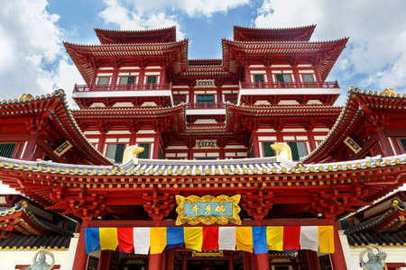 Buddha Tooth Relic Temple is a Buddhist temple located in the Chinatown district, Singapore 写真素材