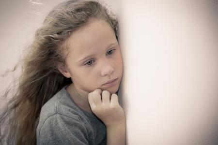 悲しい子の肖像画 写真素材