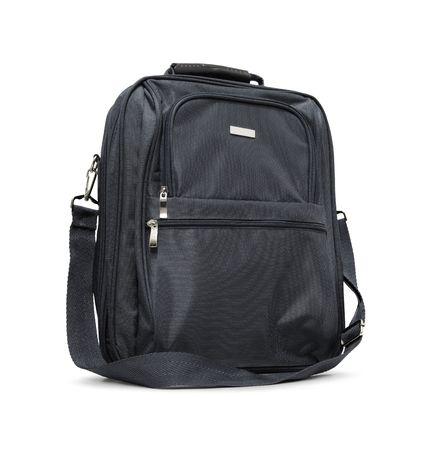 black briefcase: Malet�n negro aislado sobre fondo blanco.