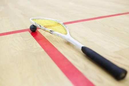 racquetball: Equipo de squash en la cancha