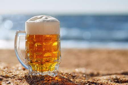mug of beer Zdjęcie Seryjne - 155585595