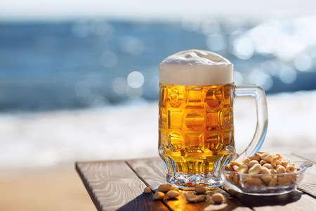 mug of beer Zdjęcie Seryjne - 155585538